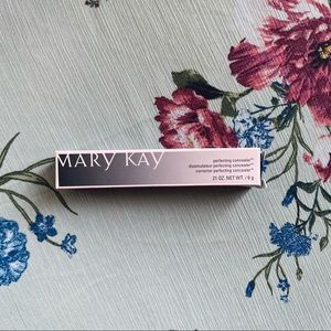 Mary Kay Perfecting Concealer LIGHT BEIGE